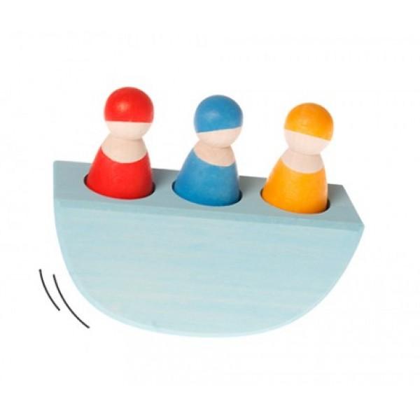 Houten schommelbootje gekleurd